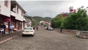Bingöl'deki deprem anı kamerada!