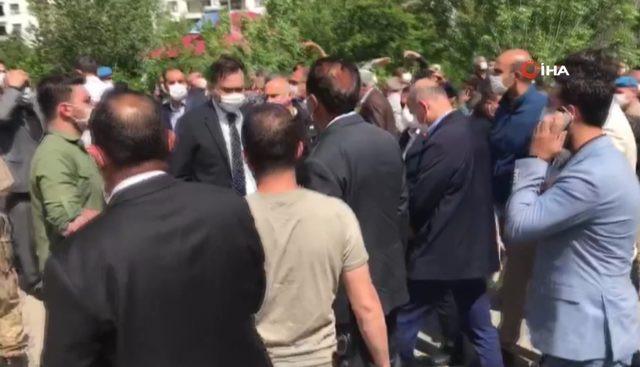 İçişleri Bakanı Soylu depreme yakalandı