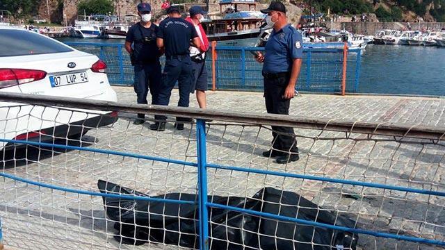 Antalya'da denizde esrarengiz ceset