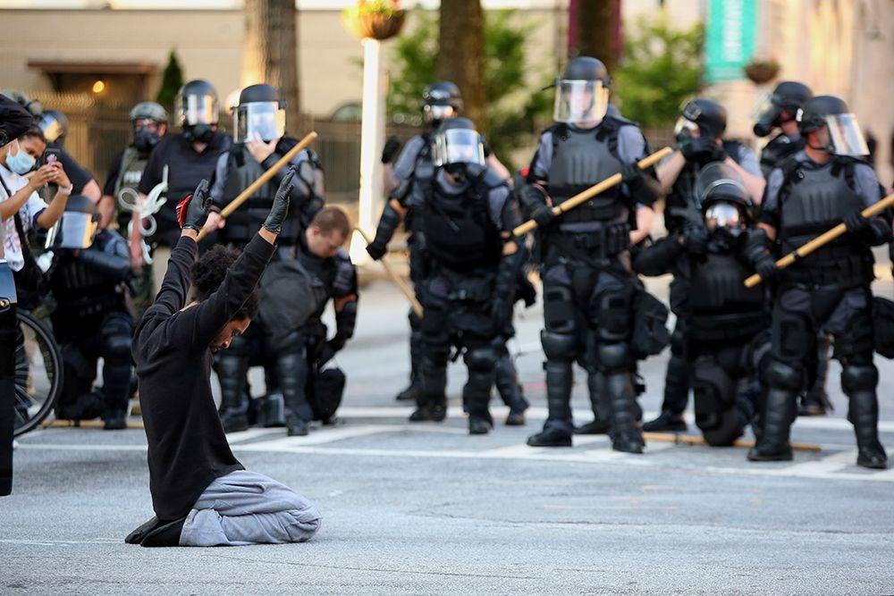 ABD'deki protestolarda 7'inci gün: Yağmacılar dükkanları talan etti