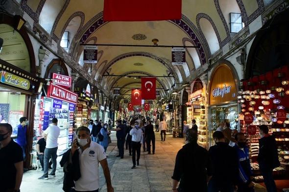 İstanbul'da hızlı normalleşme! Çarşılar dolup taştı