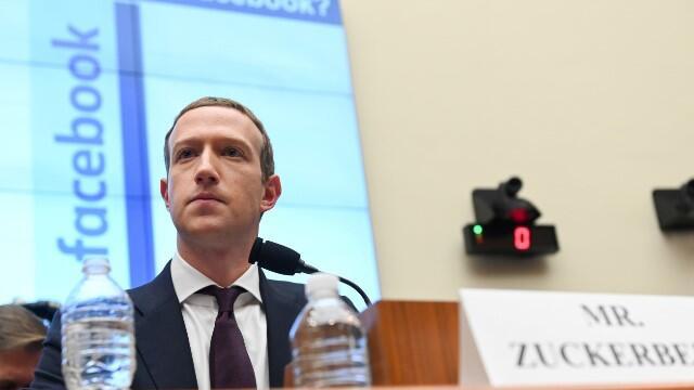 Facebook çalışanları Zuckerberg'e isyan etti!