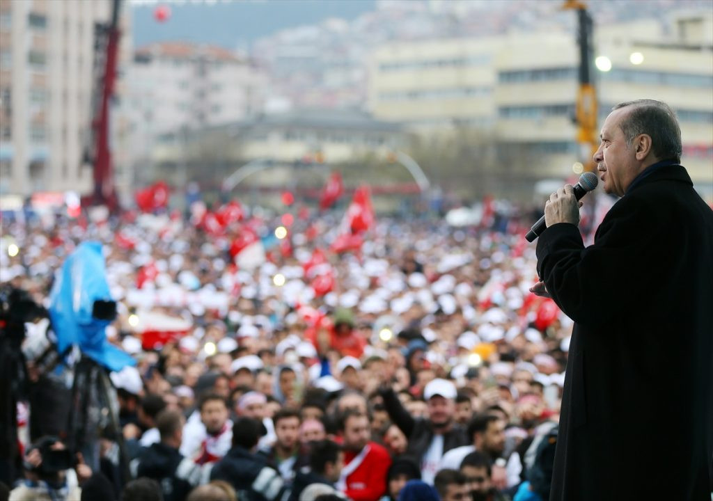 Son anketten ''AK Parti'deki huzursuz muhafazakarlar'' çıktı