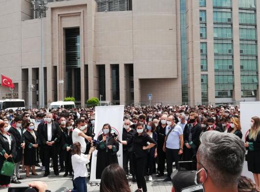 İstanbul adliyelerinde protestolar başladı!