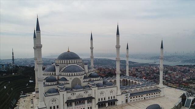 Diyanet İşleri Başkanı açıkladı: Camiler yeniden ibadete açılıyor!
