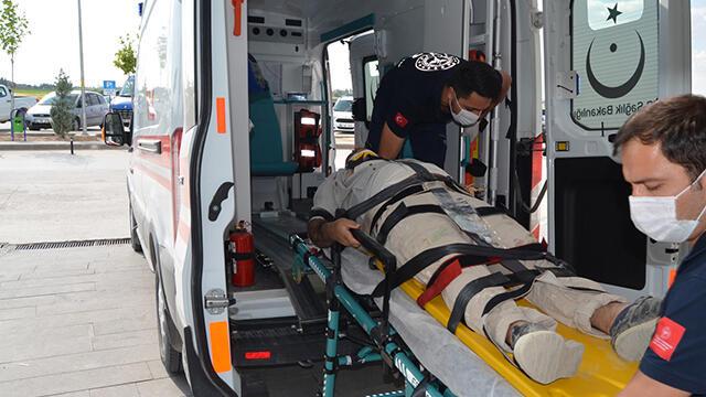 İskeleden düşen inşaat işçisi ağır yaralandı