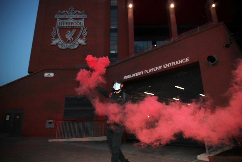 İngiltere'de büyük coşku! Liverpool 30 yılın ardından şampiyon!