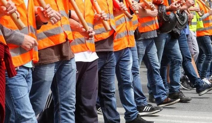 İşçiler direnişe geçiyor! Milyonlarca işçi 81 ilde sokağa iniyor