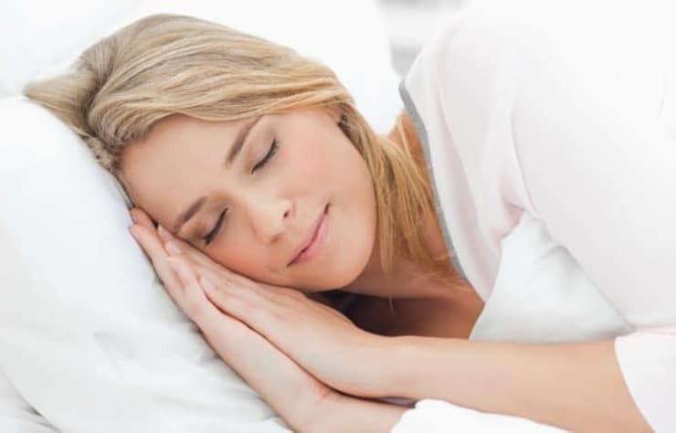 Bunaltan sıcaklıklarda rahat uykunun püf noktaları