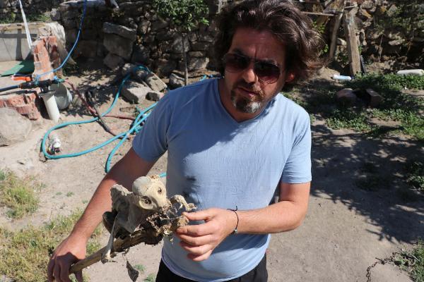 Evin bodrumundan çıkan iskelet şaşırttı