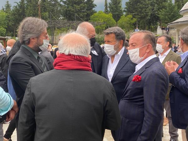 Ünlü iş insanı Süleyman Toplusoy son yolculuğuna uğurlandı - Resim: 4