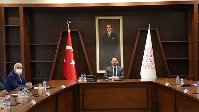 Bakan Albayrak, banka müdürleri ile bir toplantı gerçekleştirdi
