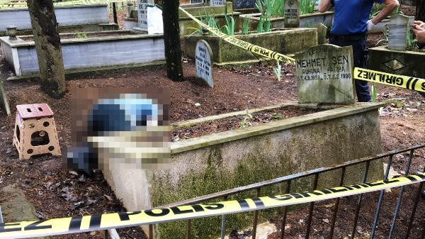 Doktor, babasının mezarında ölü bulundu