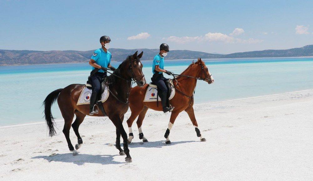 Salda Gölü, atlı jandarmaya emanet!