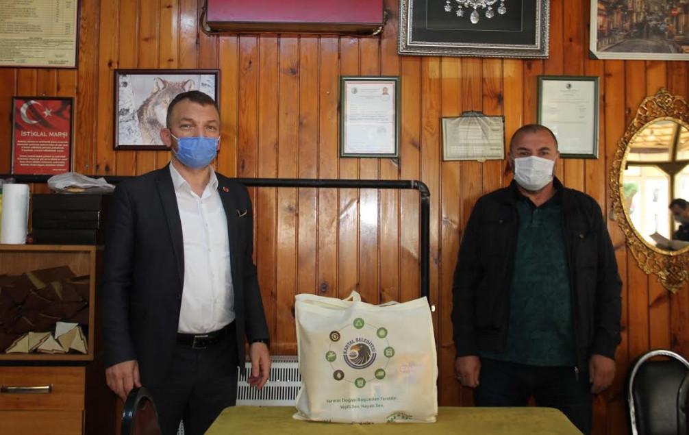 Kartal Belediyesi'nden kahvehanelere malzeme desteği