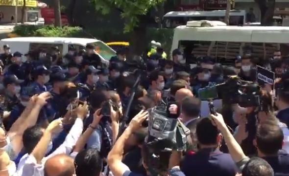 HDP'li milletvekillerine polis müdahalesi