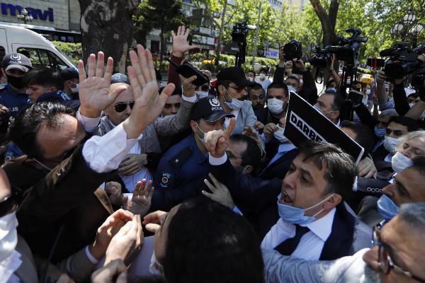 Ankara'da HDP'lilerin eylemine polis müdahalesi