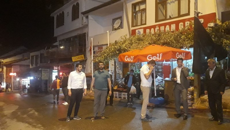 Malatya'da 5 büyüklüğündeki deprem sokağa döktü