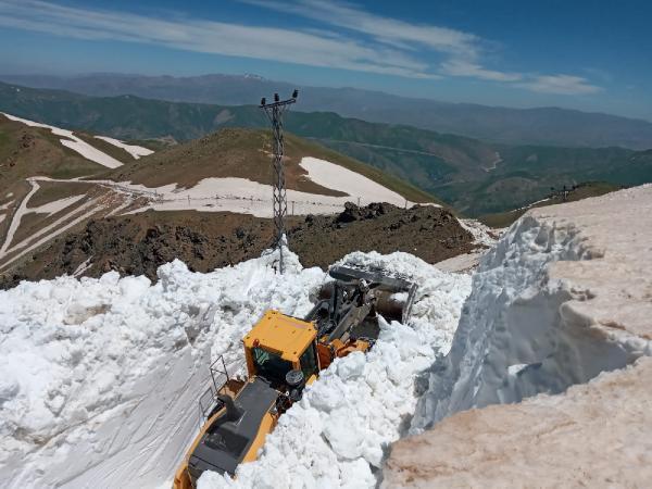 Burası Türkiye! Haziran ayında 7 metre kar
