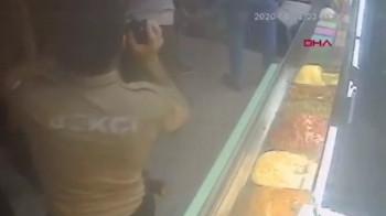 Ortaköy Kumpirciler Çarşısı'ndaki çökme anı