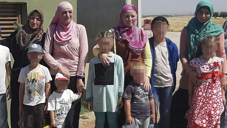 INTERPOL'ün aradığı 4 kadın Türkiye'de yakalandı