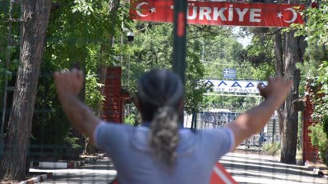 Yunanistan, 1 Temmuz'da açılacağını duyurduğu sınır kapılarını açmadı