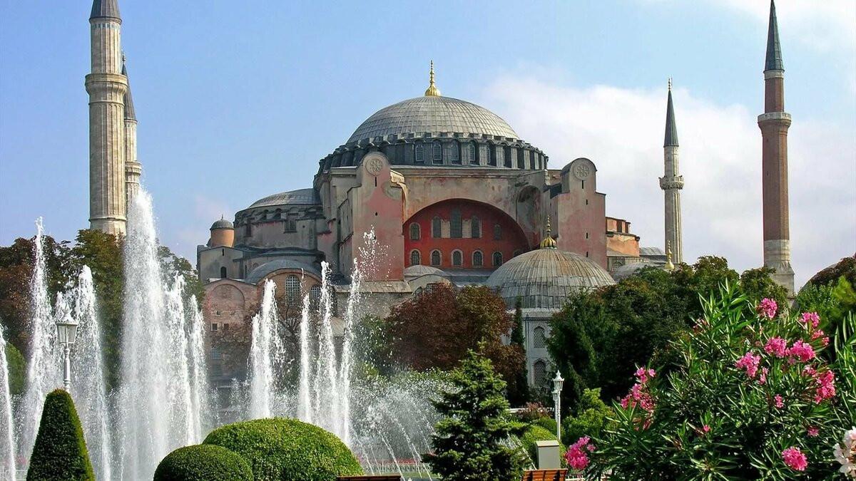 Ayasofya'da karar günü: müze mi kalacak, cami mi olacak ?