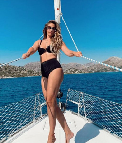 Müge Boz'dan bikinili ''kilolarımla barıştım'' pozu