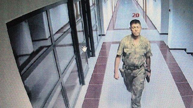 Ömer Halisdemir'e ilk kurşunu, hayatını kurtardığı asker atmış