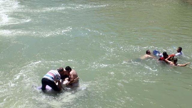 Bayburt'ta bir cip Çoruh Nehri'ne devrildi: 6 yaralı