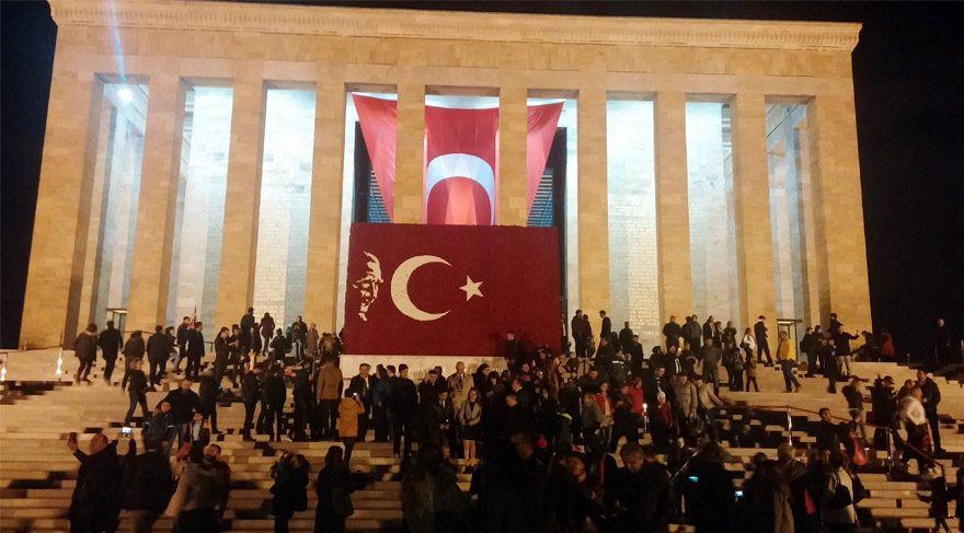 ''Ayasofya'yı açtınız, Anıtkabir'i de yıkın''