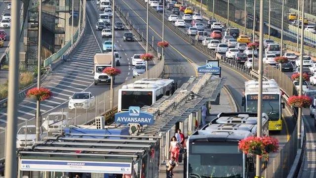 İBB Meclisi'nden onay çıktı! İstanbul'da annelere ulaşım ücretsiz