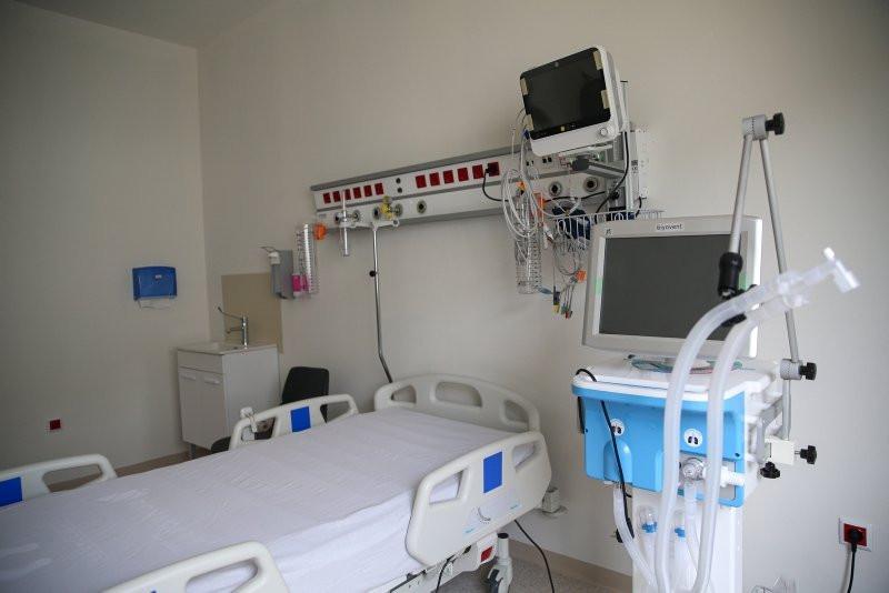 Prof. Dr. Murat Dilmener Acil Durum Hastanesi Kovid-19 yükünü omuzluyor! - Resim: 1