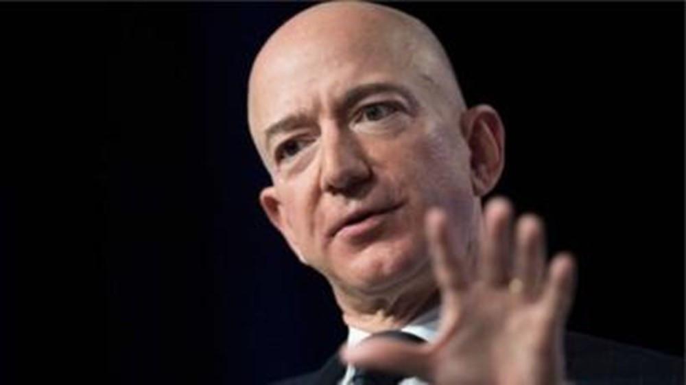 Dünyanın en zengin insanı Jeff Bezos, rekorunu tazeledi