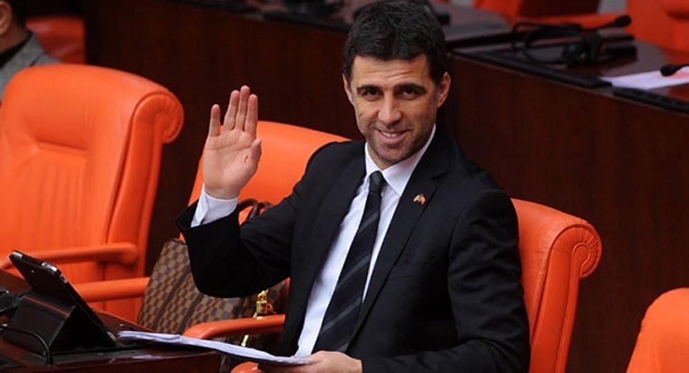 Davutoğlu, ''FETÖ'nün siyasi ayağı'' demişti, firari Hakan Şükür'den yanıt