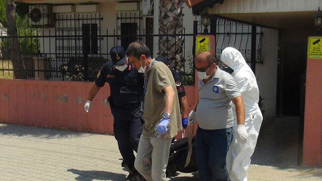 54 yaşındaki adam evinde ölü bulundu
