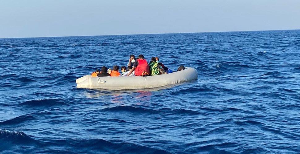 İzmir'de ölüme itilen 36 sığınmacı kurtarıldı