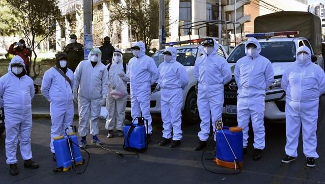 Sokaklardan yüzlerce ceset topladılar
