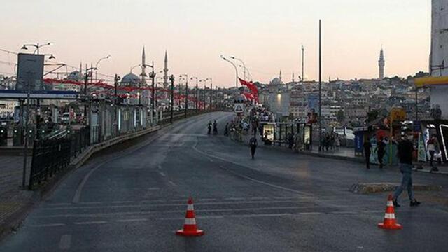 İstanbul'da kapatılan yollar yeniden trafiğe açıldı