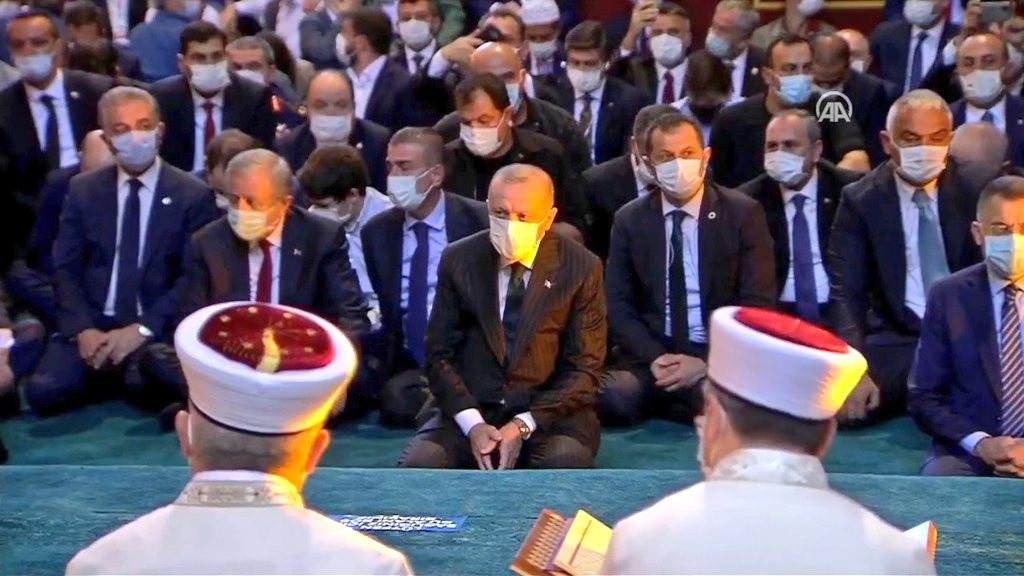 'Türkler, Cumhurbaşkanlarının başlarına nasıl bir çorap ördüğünü anlayacak'