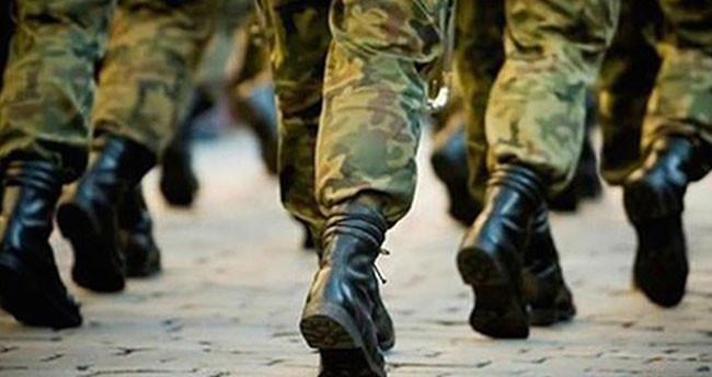 Bir gecede Türkiye'de binlerce kişi asker kaçağı oldu!