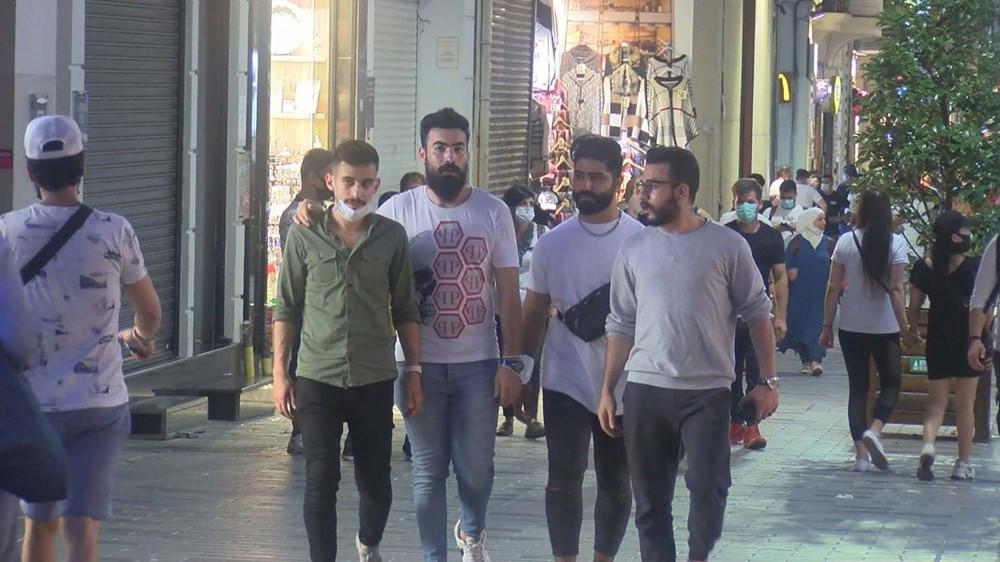 İstiklal Caddesi'nde korkutan hafta sonu yoğunluğu