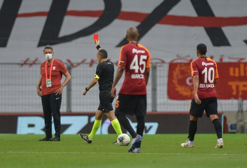 Galatasaray'ın yıldızı çıldırttı! Görmek istemiyoruz artık