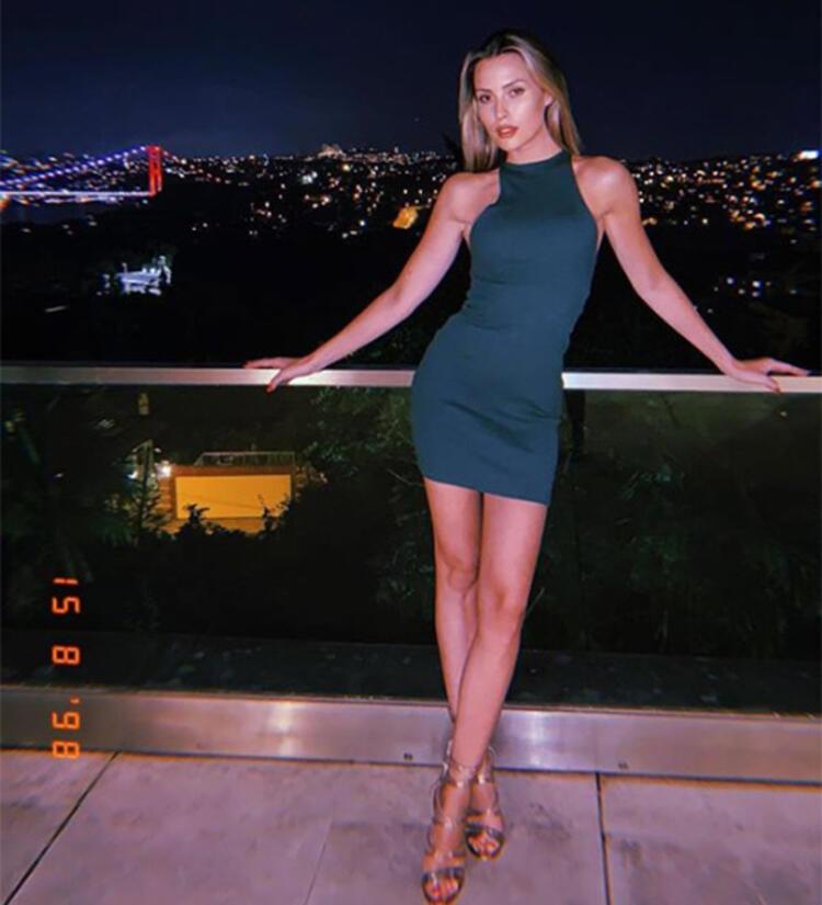 Chloe Loughnan 28 yaşına bastı