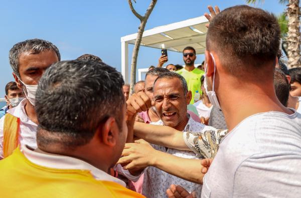 Antalya'nın ünlü sahilinde ''loca'' gerginliği! - Resim: 4