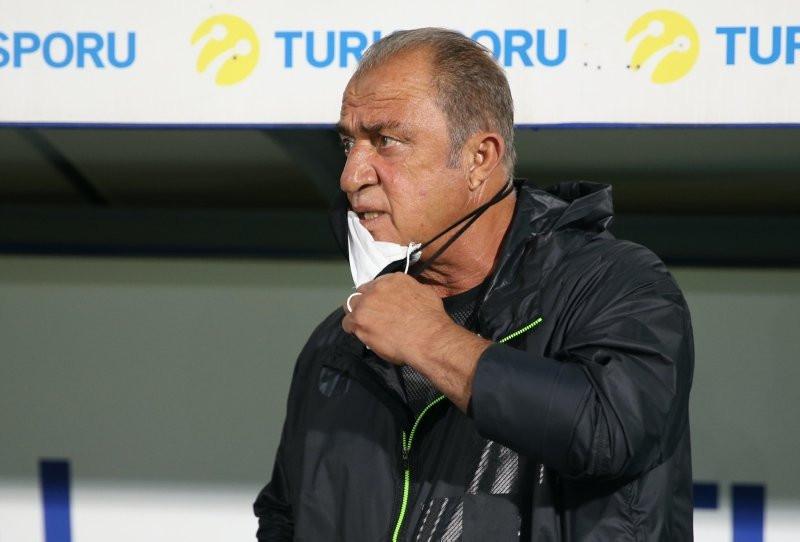 Galatasaray'a sürpriz savunmacı
