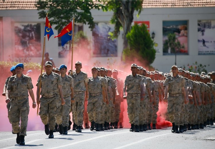 Jandarma subay alımı ne zaman bitiyor? 2020 Jandarma 1300 erkek öğrenci alımı başvuru şartları neler?