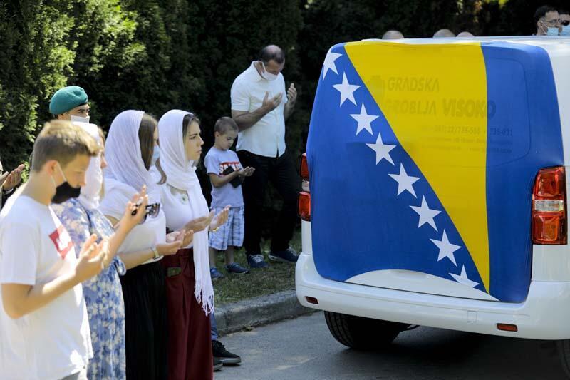 Srebrenitsa Katliamı mağduru yaşadıklarını anlattı: 9 ay ormanda yaşadık