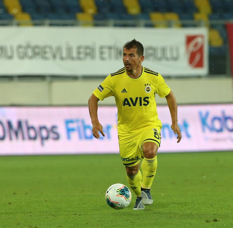 Fenerbahçe'de Emre Belözoğlu endişesi