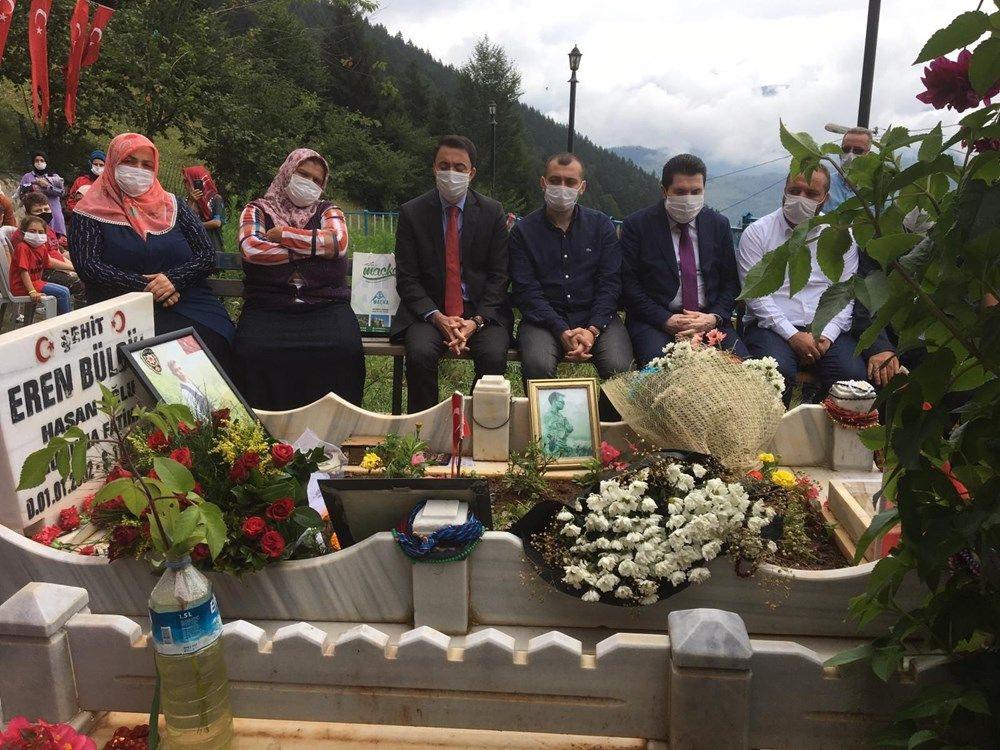 Şehit Eren Bülbül, mezarı başında dualarla anıldı